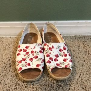 TOMS 'Poppy' print slip on shoes
